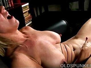 Beautiful busty old spunker fucks her fat juicy pussy u