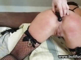 Amateur Anal and Ass Spanking for a Submissive Slut
