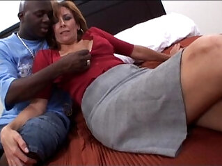 Amateur milf taking a big black hard long cock Interracial hardcore porn Video