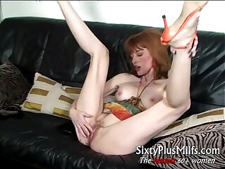 sexy mature babe